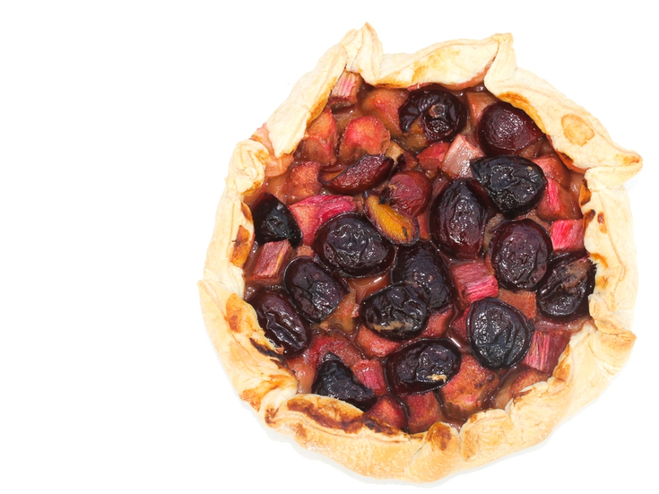 Tarte feuilletée aux prunes etrhubarbe