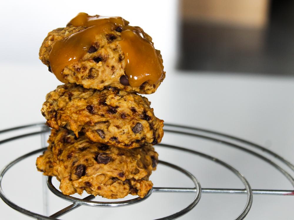 Une douceur chocolatée, ça ne se refuse pas, surtout quand c'est sans beurre.  Sucrés avec modération, ces cookies ont été englouti très rapidement, aucune frustration en les mangeant ( sauf si tu engloutis tout d'un coup). Veggie car ils sont sans beurre, sans œuf, sans lait.